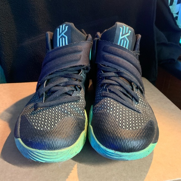 Nike Shoes   Kyrie 2s Green Glow Size